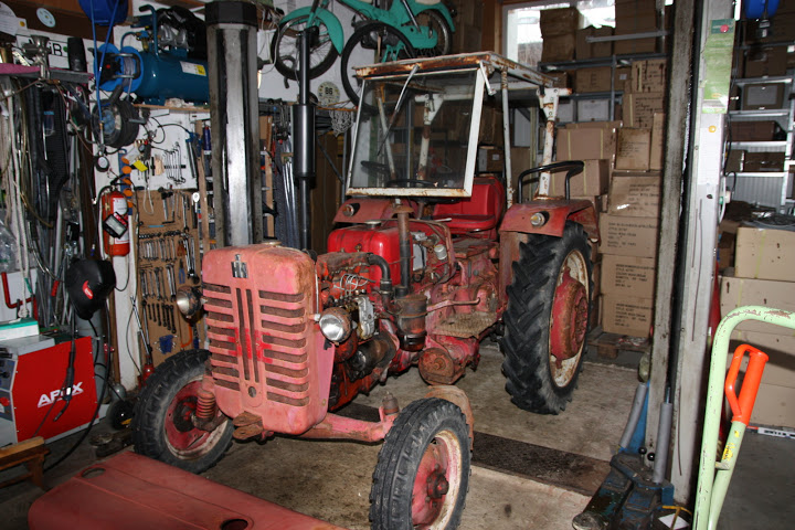 Mc Cormick Farmall D-324